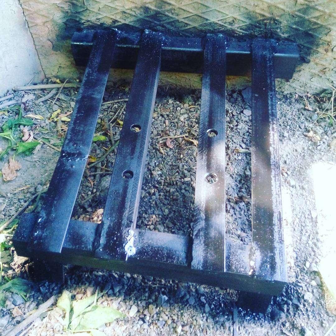 Монтаж металлического основания под шлагбаум