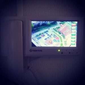 Установка домофона с видеонаблюдением