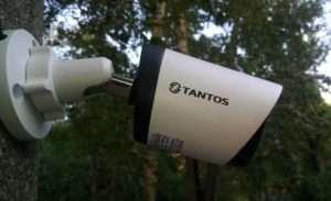 Установленная система видеонаблюдения Tantos в частном секторе